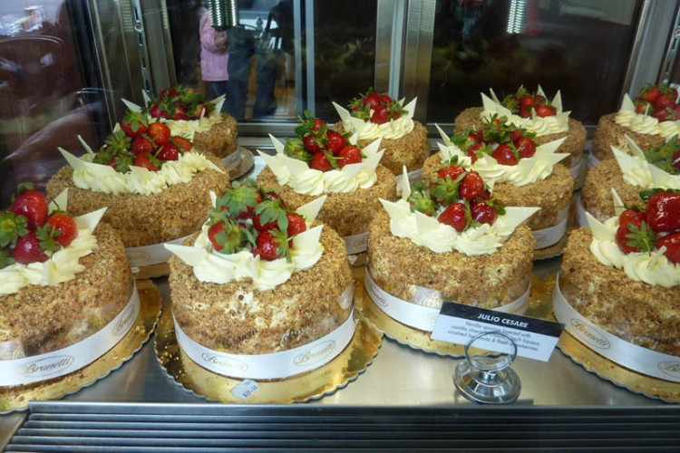 040711+Brunetti+Cakes+copy